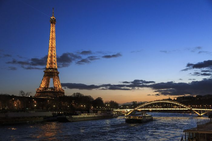 Un romantico week-end a <br> PARIGI